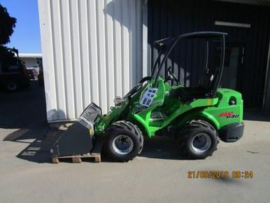 Avant Miniradlader 640